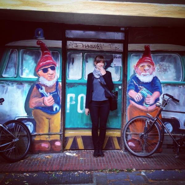 Elena zwischen den Zwergen :)